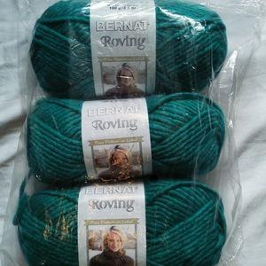 NWT Bernat Teal Roving Yarn [Bulky 5] 3/$24